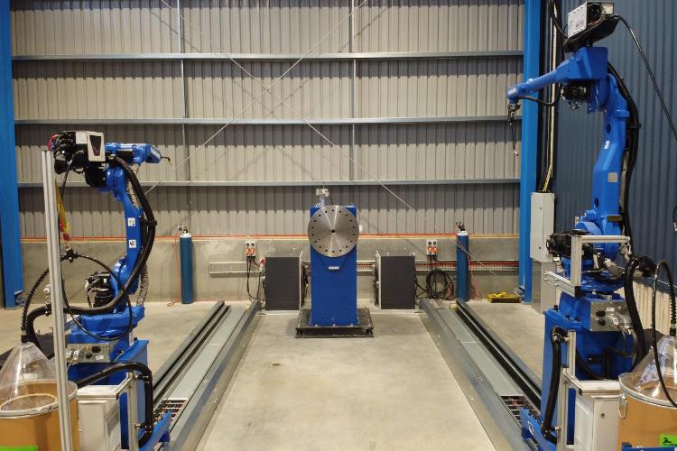 Twin Robot, Single Rotator Welding Cell